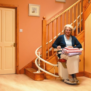 model-on-stairlift-wide-angle-1-1mb-1536x1024_t